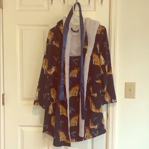Adorable fox 🦊 printed robe with eared hood!